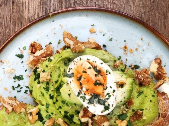 smashed avocado and egg
